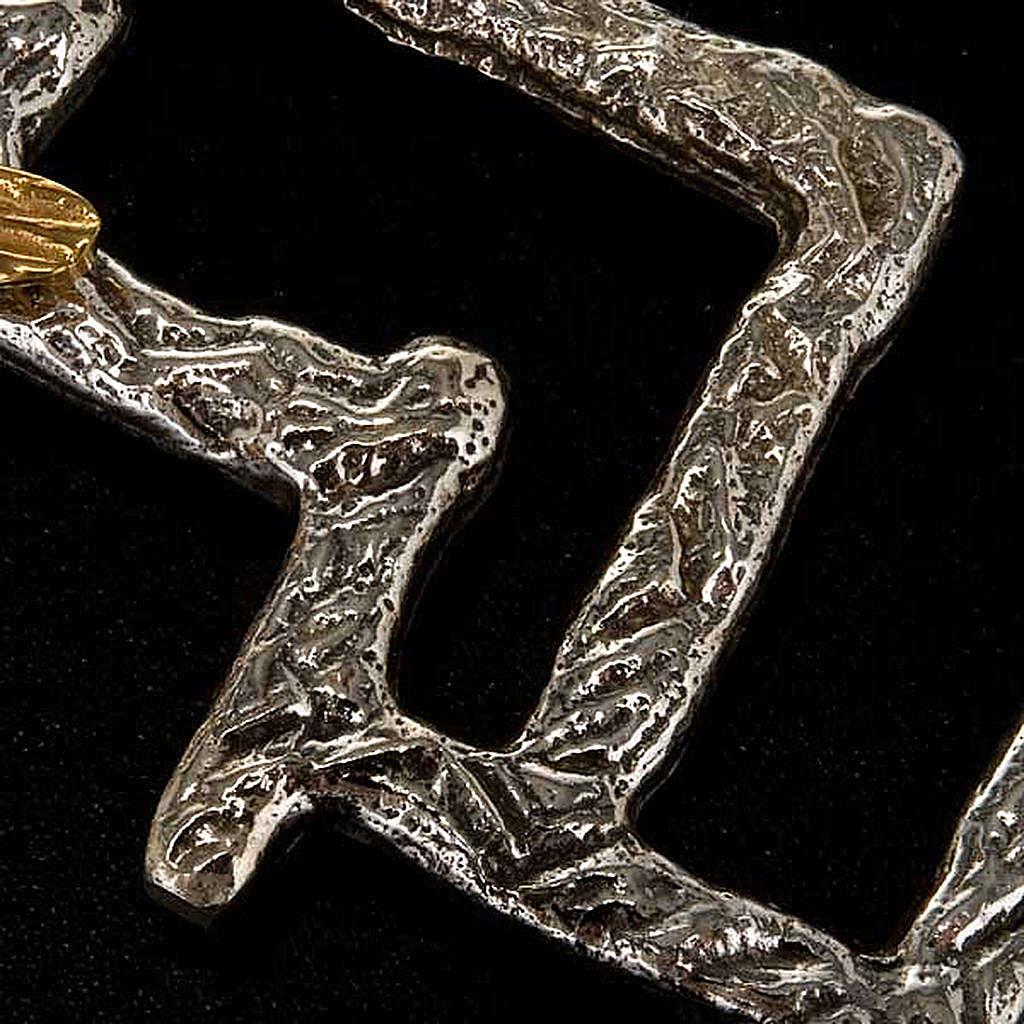 Crucifijo moderno de bronce 4