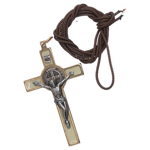 Collana Croce san Benedetto fosforescente elegante 3