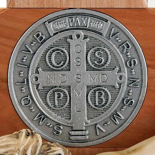croix Saint Benoit bois de cerisier 71 cm 5