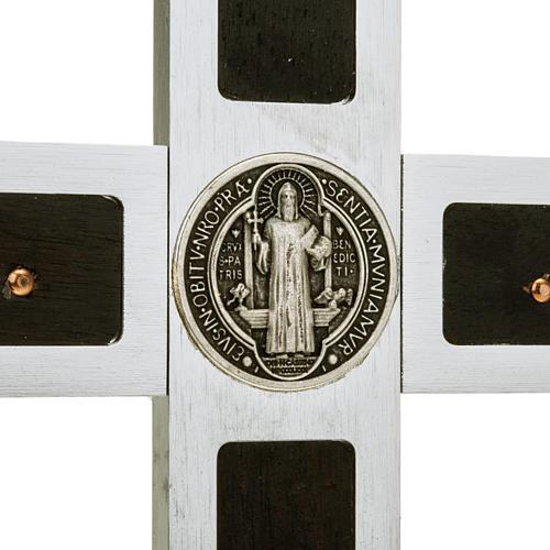 Kreuz Sankt Benedikt aus Aluminium und Holz, 40x20cm.