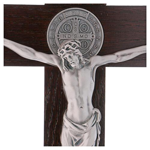 Kreuz von Sankt Benedikt aus Nussbaumholz mit Sockel, 40 x 20 cm