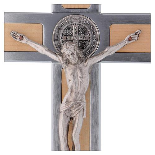 Kreuz von Sankt Benedikt aus Aluminium und Ahornholz, 25 x 12 cm
