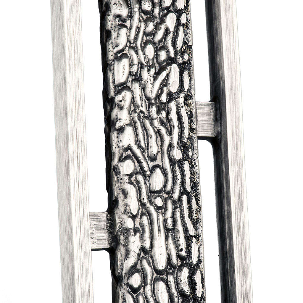 Croix de procession stylisée en bronze 4