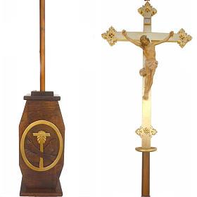 Krzyż procesyjny drewno h 220 cm z podstawą herb Franciszkański s1
