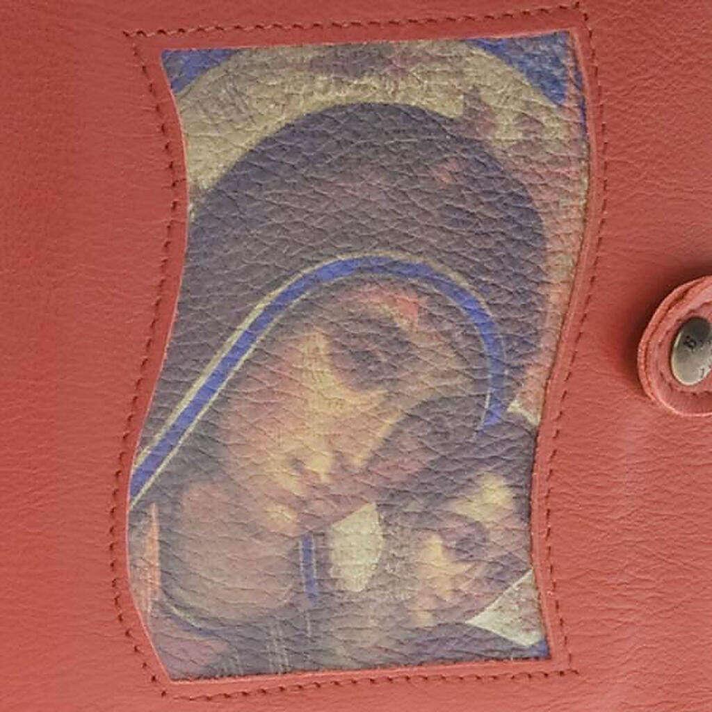 Capa Caminho Neocatecumenal vermelha Virgem com o Menino 4