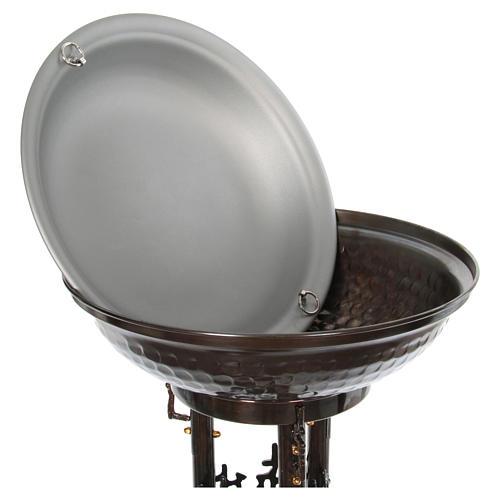 Fuente bautismal moderna de bronce 7