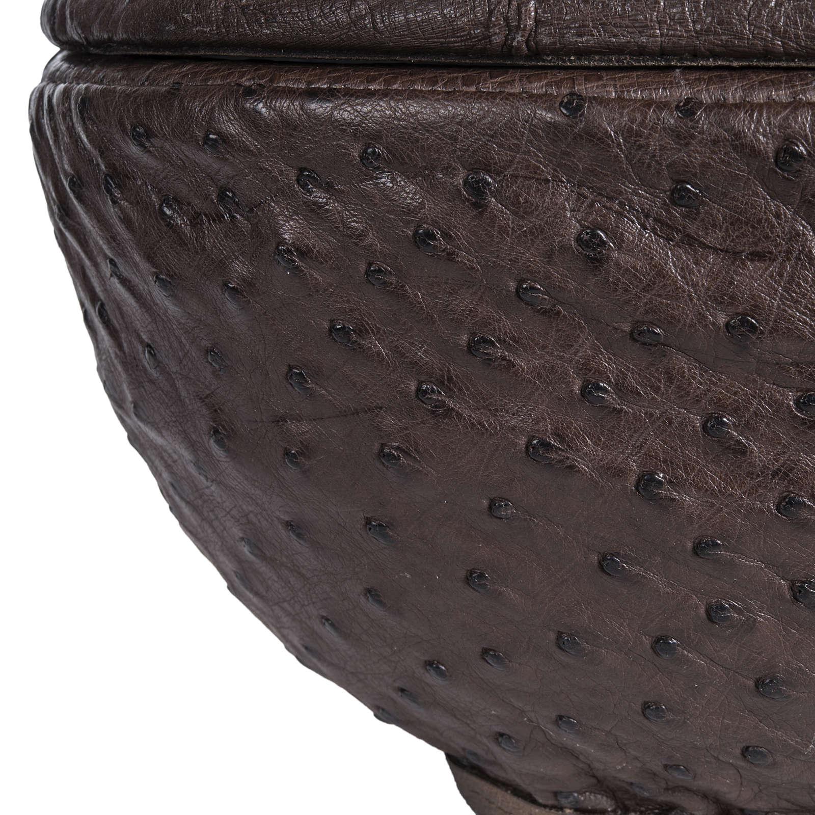 Urna para cenizas mármol y piel de avestruz 3