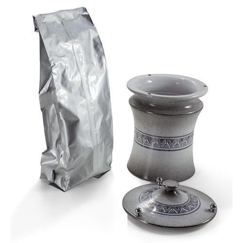 Urna cineraria ceramica pomelli ottone perla con platino 2