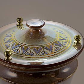 Urna cineraria ceramica pomelli ottone iris con greca s2