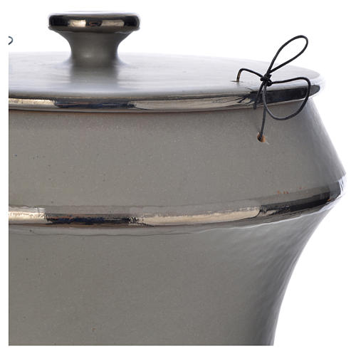 Urna cineraria in ceramica grigio chiaro 2