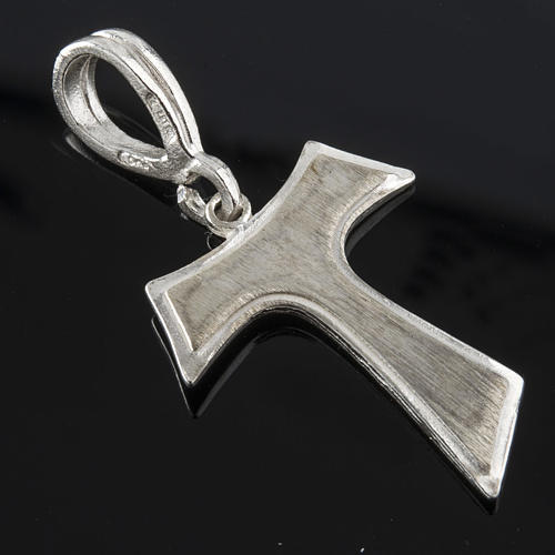 Tau in silver 925. 2,1 x 1,6 cm 2