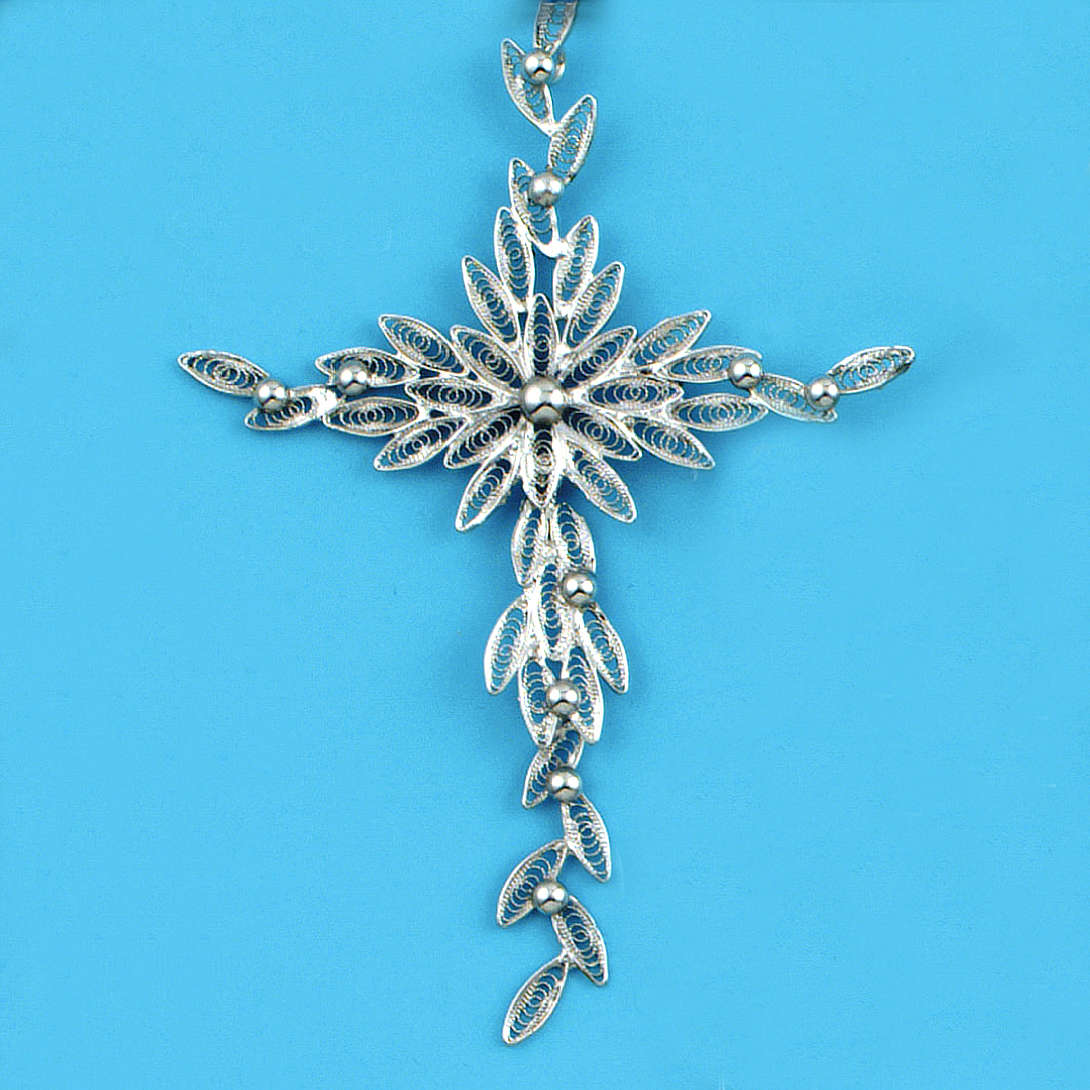 Dije de cruz en filigrana de plata 800 pesa 5,9 gr 4
