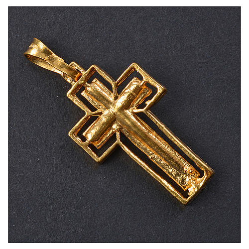 Crucifix argent doré avec bordure 3