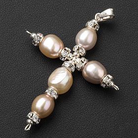 Cruz colgante Swarovski y perlas s2