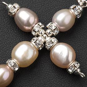 Cruz colgante Swarovski y perlas s3