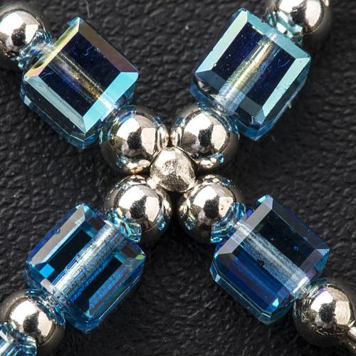 Cruz Swarovski forma de cubo azul claro 3