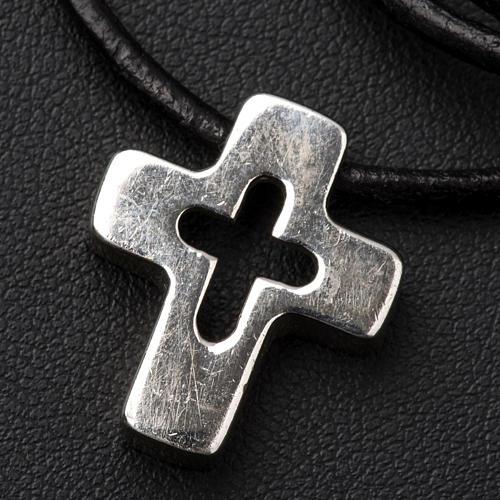 Pendentif croix en argent percée 3