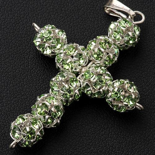 Croix argent strass verts 8 mm 2
