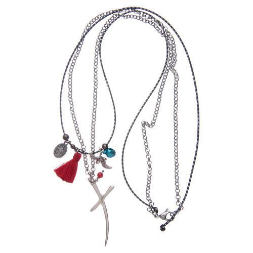 Collana catena con croce stilizzata e nappina rossa 3