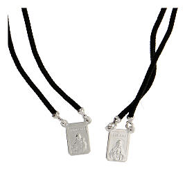 Scapolare nero sagola argento 925 medagliette rettangolari s2