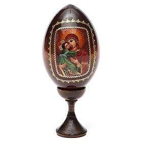 Oeufs Russes peintes: Icône Vierge avec enfant sur fond rouge
