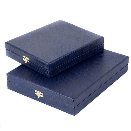 Blue case for icon with internal satin covering 2