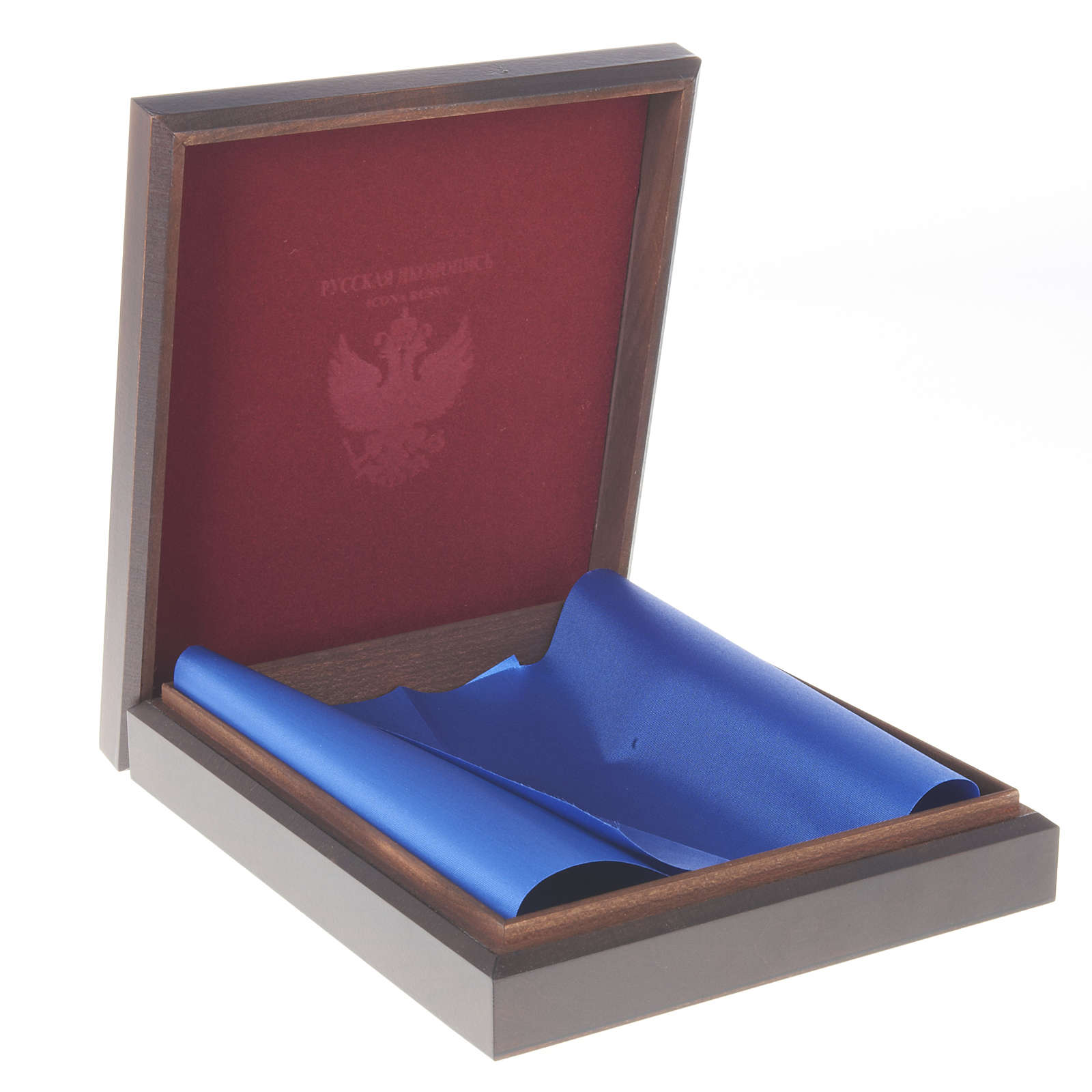 Caja rusa de madera para íconos 4