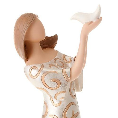 Estatua mujer con paloma Legacy of Love 6