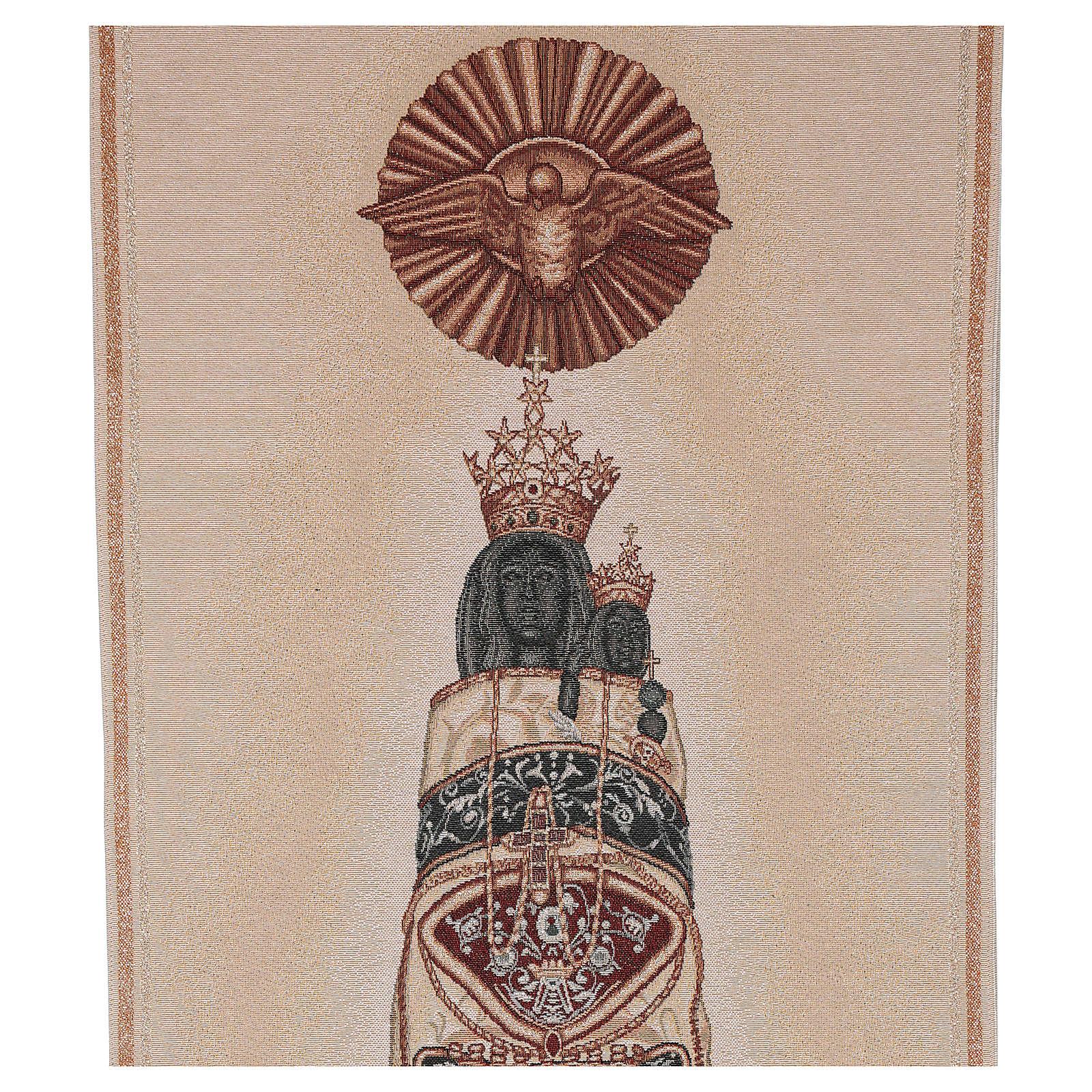 Coprileggio Madonna di Loreto ricamata su tessuto avorio 4