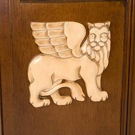 Ambón madera de nogal símbolo 4 evangelistas s6