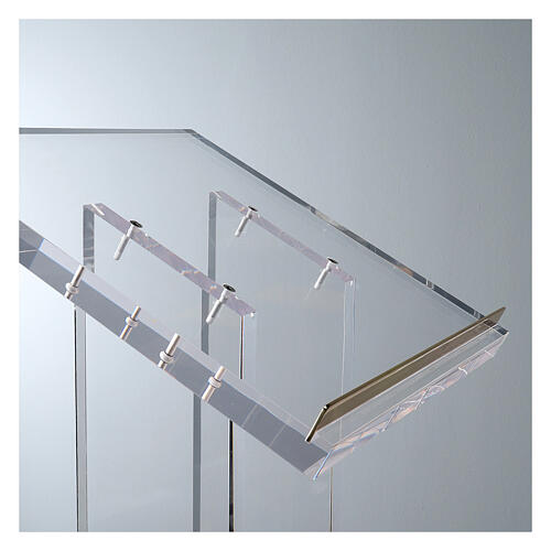 Molina lectern in perspex 3