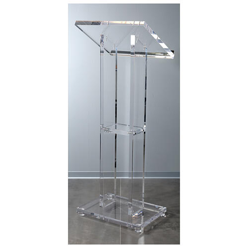 Molina lectern in perspex 6