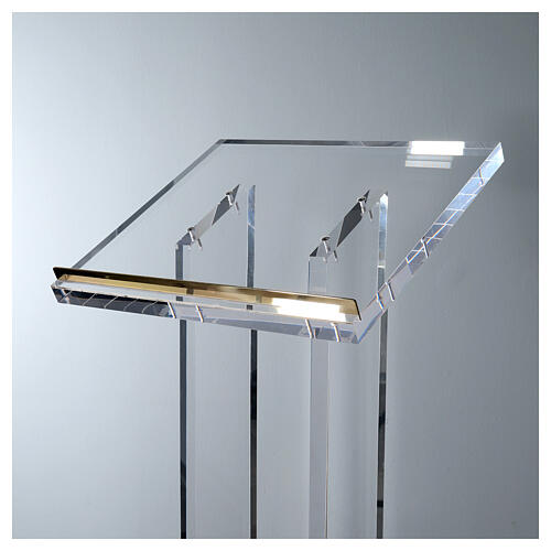 Molina lectern in perspex 2