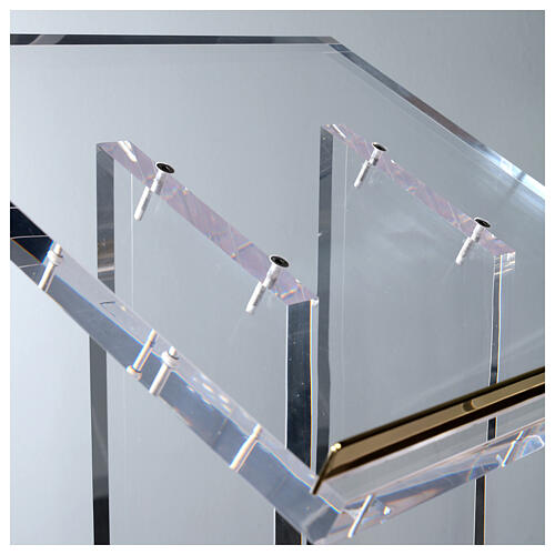 Molina lectern in perspex 7