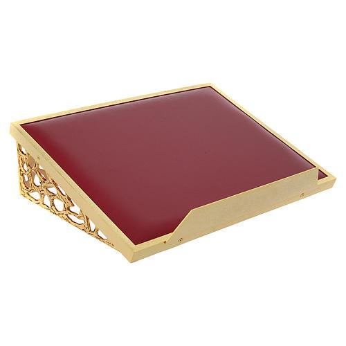 Atril de mesa latón fundido dorado y simil cuero red dorada 3