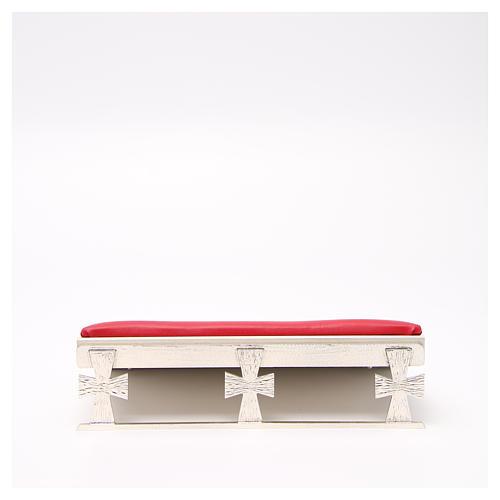 Leggio argentato con cuscinetto rosso 1