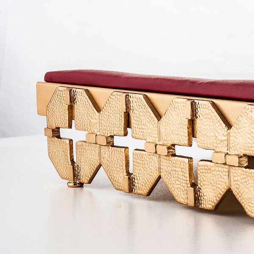 Atril de mesa latón dorado cruces 4