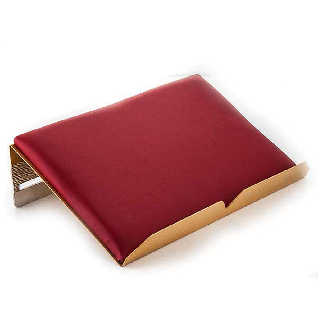 Book stand with cushion in brass with cross 4