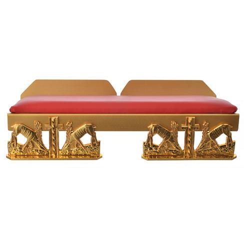 Atril de mesa latón dorado con cojín ciervos a la fuente 10