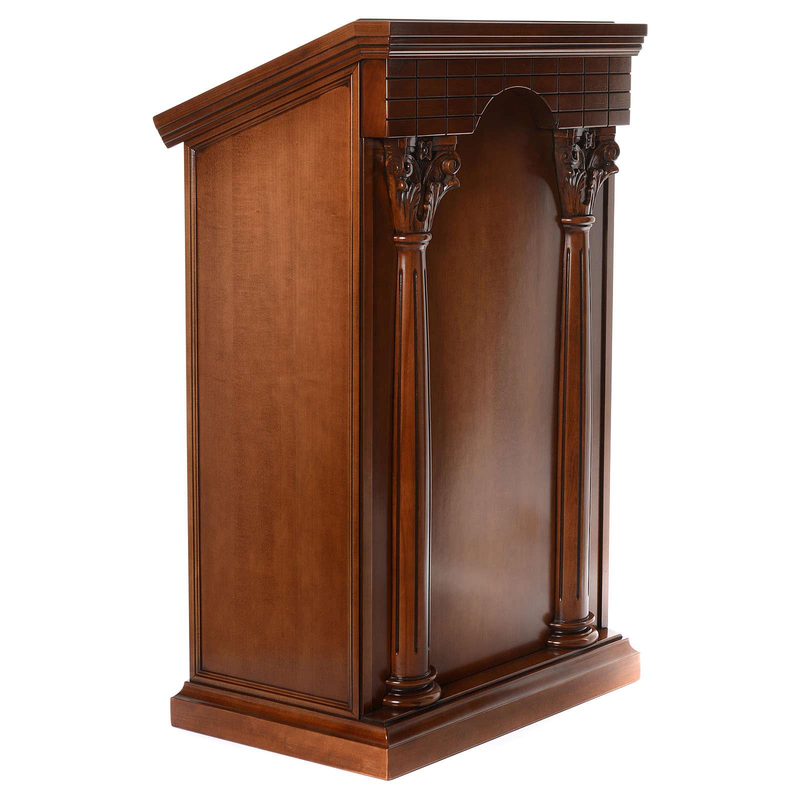 Ambón con columnas madera de nogal 4