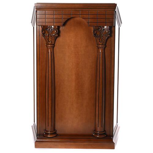 Ambón con columnas madera de nogal 1