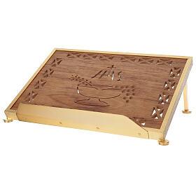Atril de misa dorado madera y latón IHS s4