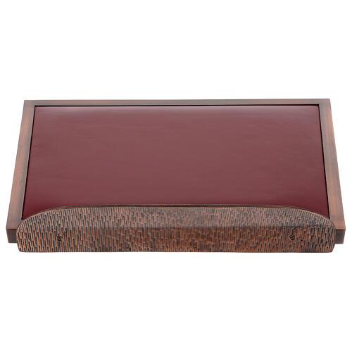 Atril de misa cobrizo con terciopelo rojo 1