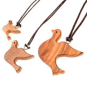 Medal Pendant olive wood dove s1