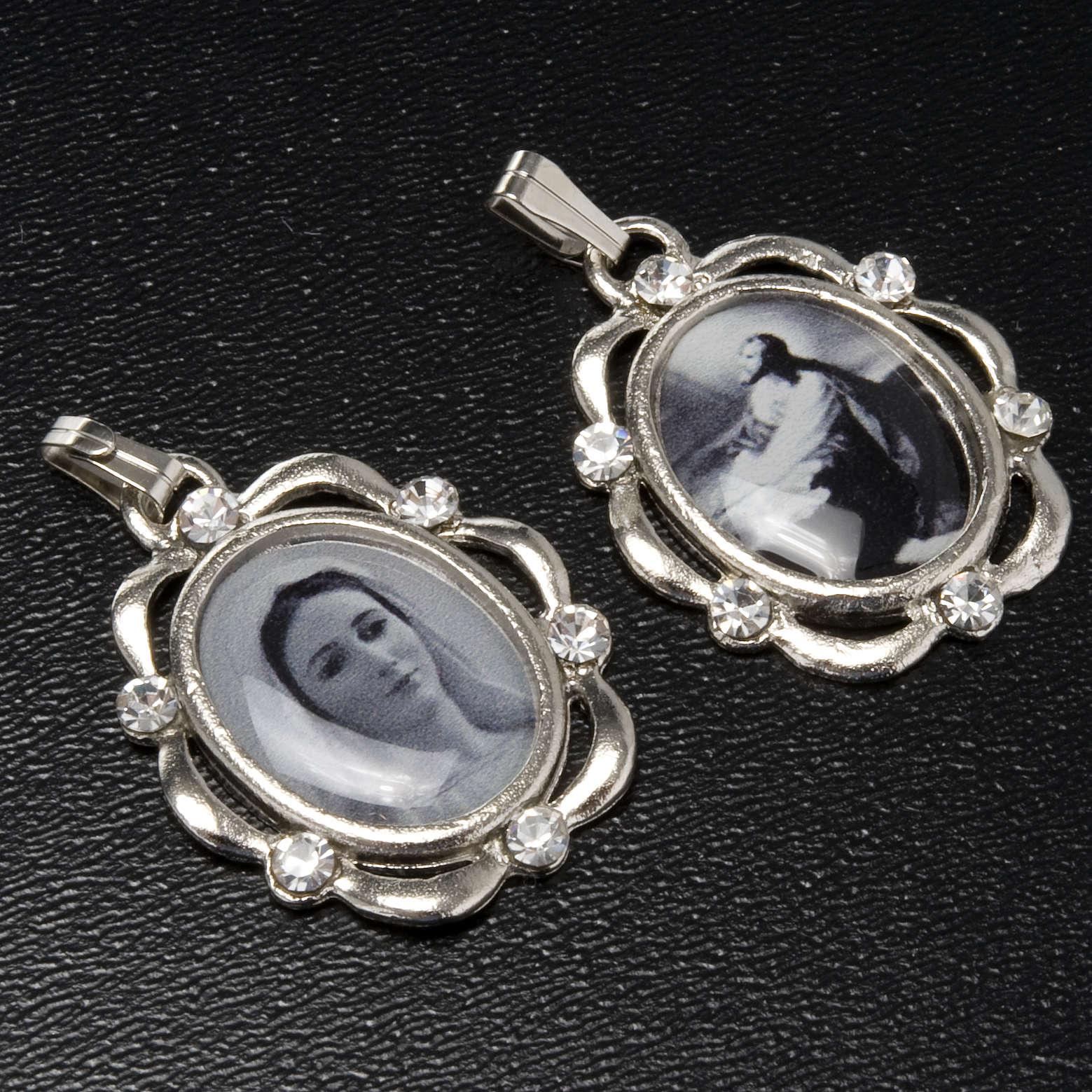 Medalla plateada con brillantes Reina de Paz, Huerto Getsemani 4