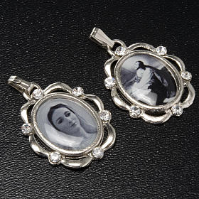 Medalla plateada con brillantes Reina de Paz, Huerto Getsemani s2