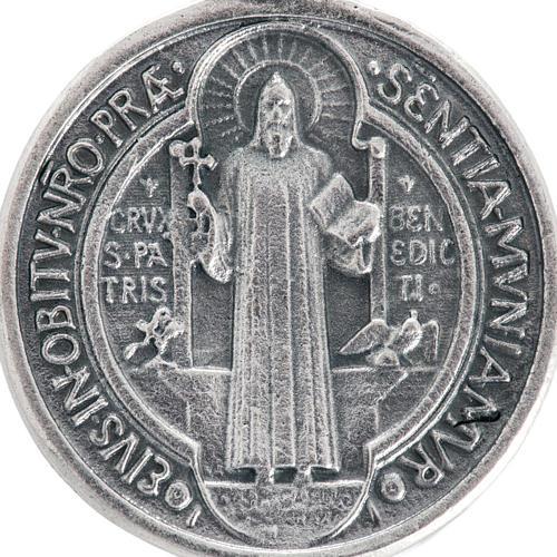 Medalla San Benito metal plateado de 3cm 2