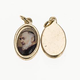 Médaille Père Pio Pietrelcina dorée 1,5x1 s1