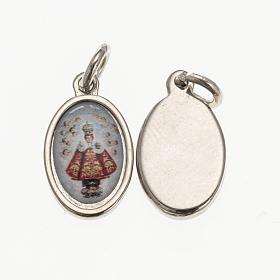 Medalla Niño Jesús de Praga metal plateado resina s1