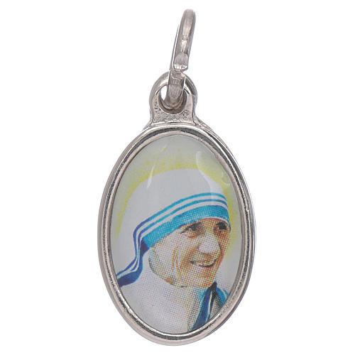 Medaglia Madre Teresa Calcutta metallo argentato resina 1,5x1 cm 1